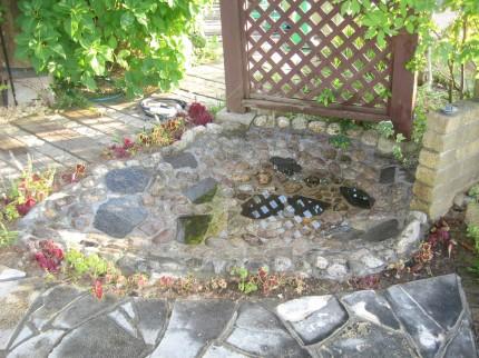 水漏れする池