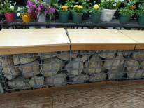 ガビオンのベンチ
